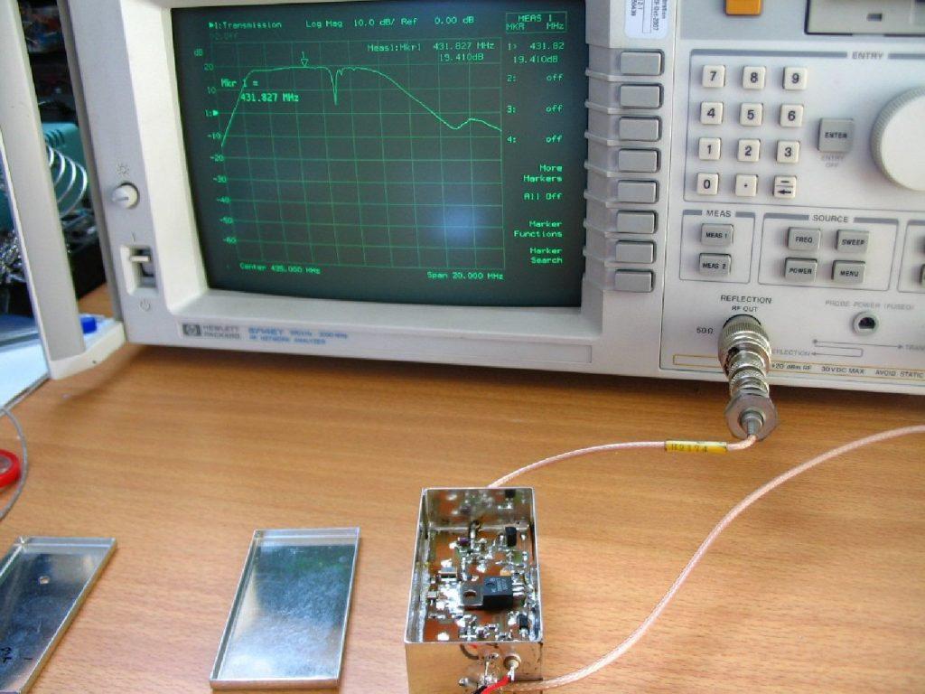 Essais du préamplificateur 70 cm à base d'ATF54143 : Gain 19 dB ; NF 0,7dB